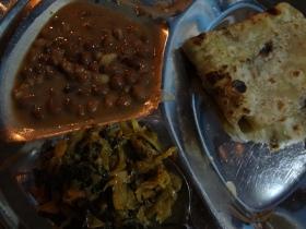 Chapati, Spinat und Bohnen. Mein Lieblingsessen in Afrika