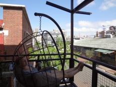 teatime auf dem Balkon vom Hostel