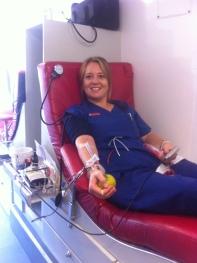 Blutspenden! Sehr wichtig, gerade wenn man täglich sieht, wie viele Menschen auf Bluttransfusionen angewiesen sind...