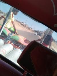 Die Kinder fahren gerne hinten bei uns mit